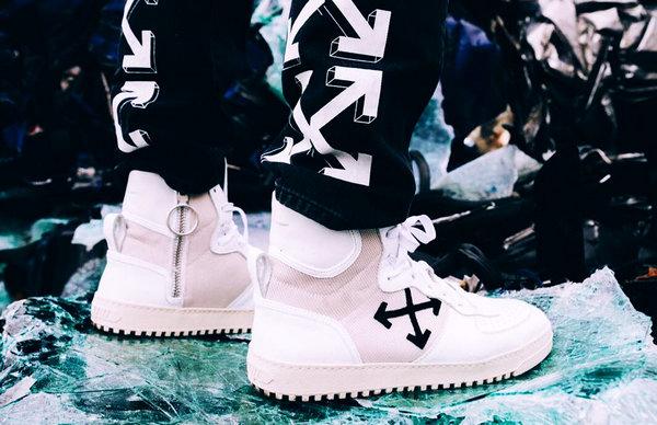 OFF WHITE x ANTONIOLI联名鞋款及牛仔裤曝光,细节至上!
