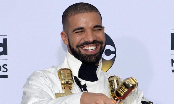 Drake 成为 500 亿条 stream 的艺术家,可是覆盖所有音乐平台啊!