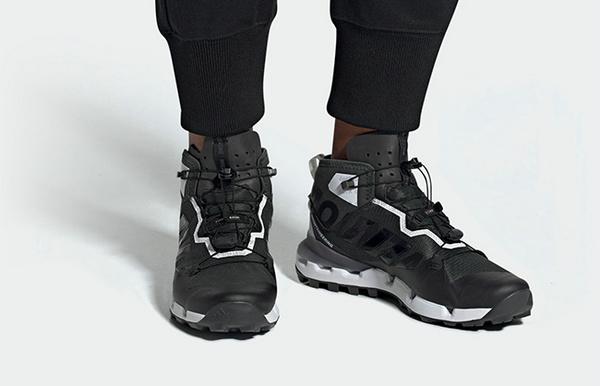 第一眼以为OFF WHITE? adidas x 白山联名鞋款即将发售!