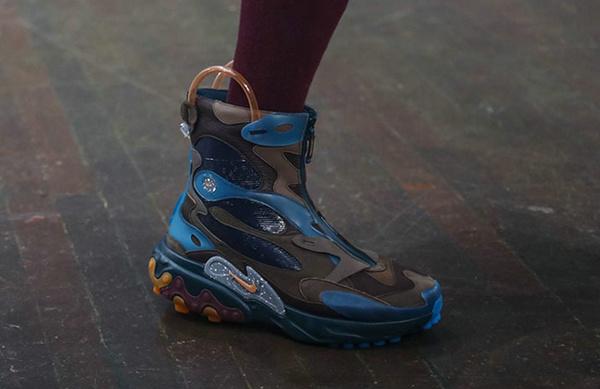 UNDERCOVER x Nike 全新联名鞋款亮相巴黎时装周~