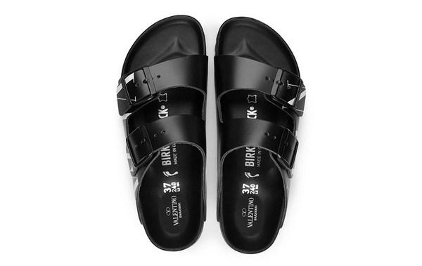 Valentino x Birkenstock 全新联名 Arizona 凉鞋系列上架发售~