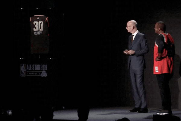 """未来""""黑科技""""!亚当·萧华公布 NBA 全新智能球衣~"""
