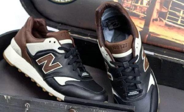 新百伦 x Burn Rubber 联名球鞋鞋盒-2.jpeg