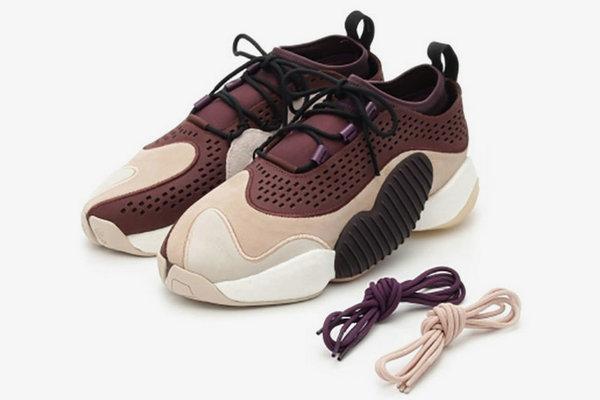 脚感与设计并存!全新 adidas Crazy BYW Low 鞋款释出~