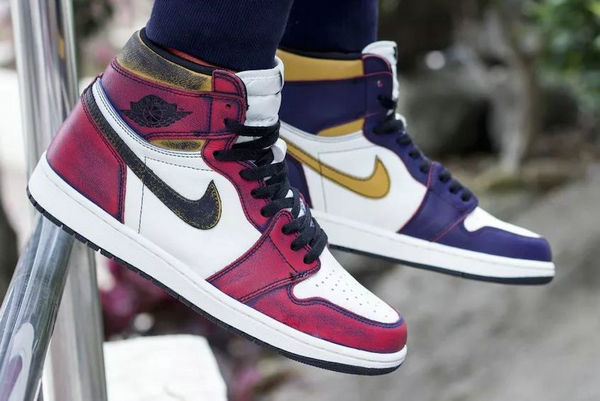 Nike SB x Air Jordan 1 Retro High OG联名鞋款.jpg