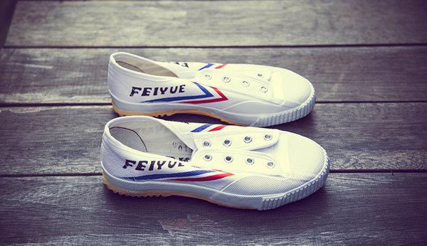 飞跃鞋.jpg