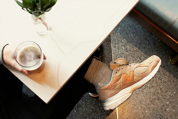 Todd Snyder x 新百伦全新联名 990v3 鞋款「Dark Ale」配色释出