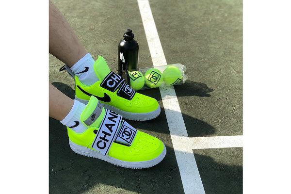 Nike Air Force 1 x 香奈儿联名客制鞋款惊艳亮相,荧光黄网球配色吸睛