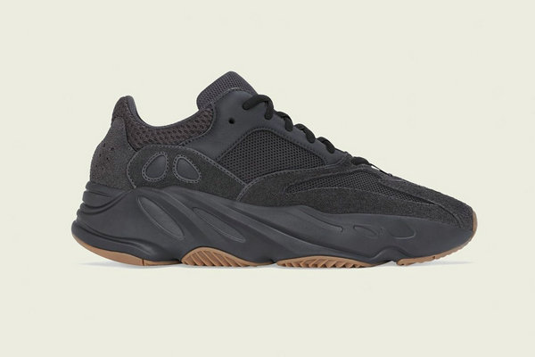 YEEZY BOOST 700 鞋款全新「Utility Black」配色发售详情释出