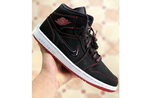 "Air Jordan 1 Mid 鞋款""Fearless""配色实物图首度曝光"