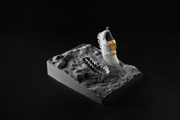 On 2019 全新 Cloud Edge Moon 鞋款上架发售,全球限量 999 双