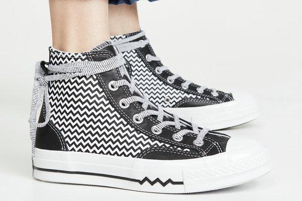 匡威全新 Mission V 女生系列鞋服.jpg
