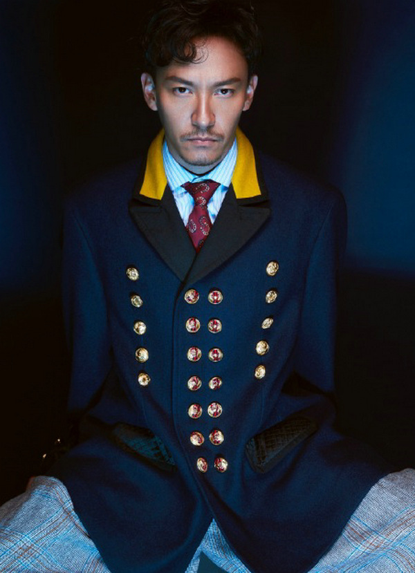 張震身穿 Gucci 男装登上《风度mensuno》封面