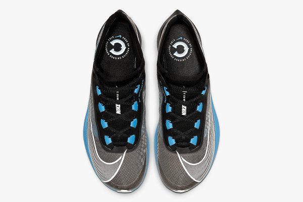 耐克 Zoom Fly 3 鞋款芝加哥马拉松特别版发售,黑蓝色调为主