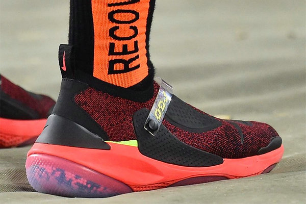 Nike x Odell Beckham Jr.全新联名 Joyride Flyknit 鞋款释出