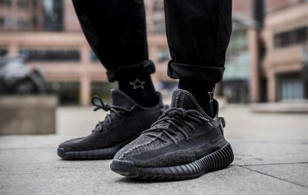 黑色椰子鞋.jpg