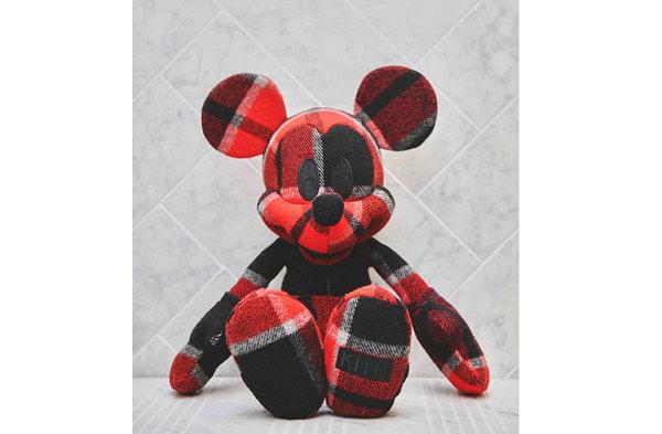 KITH x 迪士尼联名 Mickey 玩偶曝光.jpg