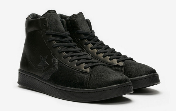 Converse Pro Mid 纯黑马毛鞋款即将发售,蕴含硬朗气质
