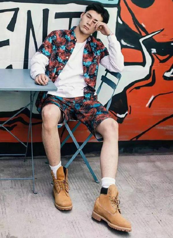 大黄靴搭配短裤-1.jpg