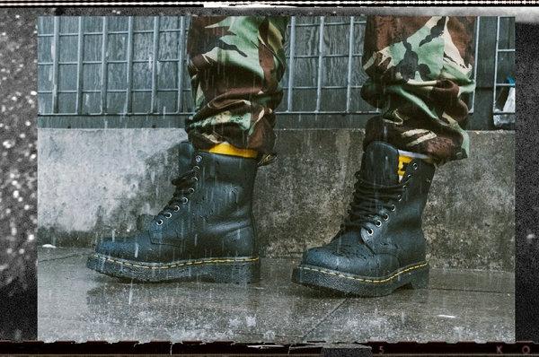 马丁博士全新防水版本 1460 WP 鞋款上线,雨雪天气也不怕