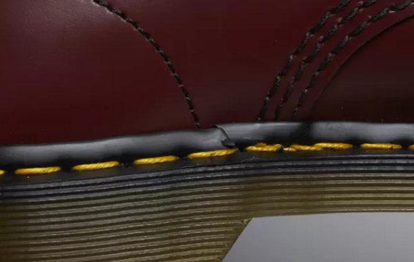 正品DR马丁靴车缝线.jpg