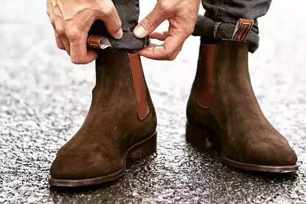 切尔西靴配什么裤子?这几种裤型最能彰显切尔西靴的简约时尚~