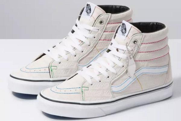 范斯 Classics 全新 Emboss 系列鞋款2.jpg