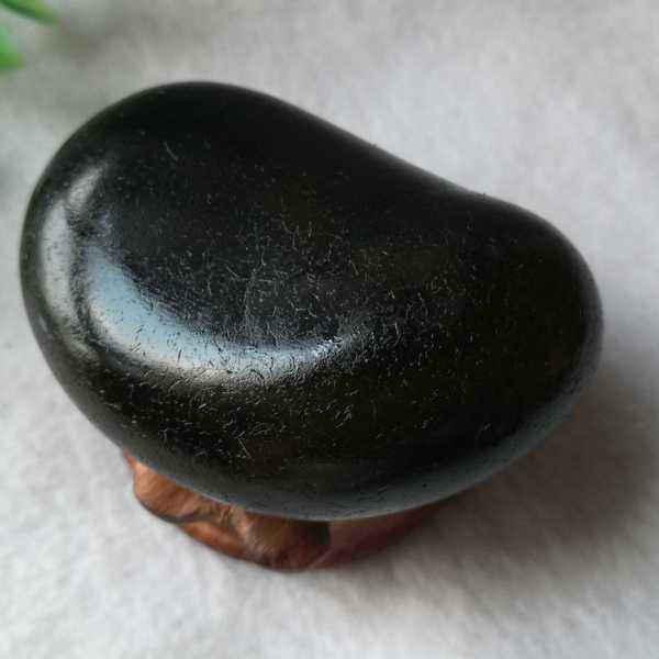 黑玛瑙原石.jpg