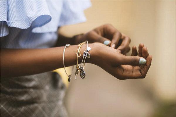 送手链给女孩代表什么意思?手链还有这样的含义~
