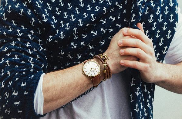 手链和手表怎么一起带2.jpg