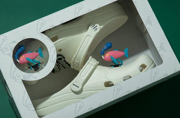 Crocs x Chaos Fishing Club 联名夜光鞋-1.jpg