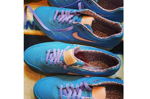 耐克 Air Max 1 蓝色灯芯绒鞋款.jpg