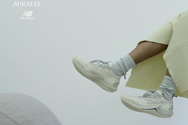新百伦 x AURALEE 全新联名 SPEEDRIFT 鞋款系列即将登场