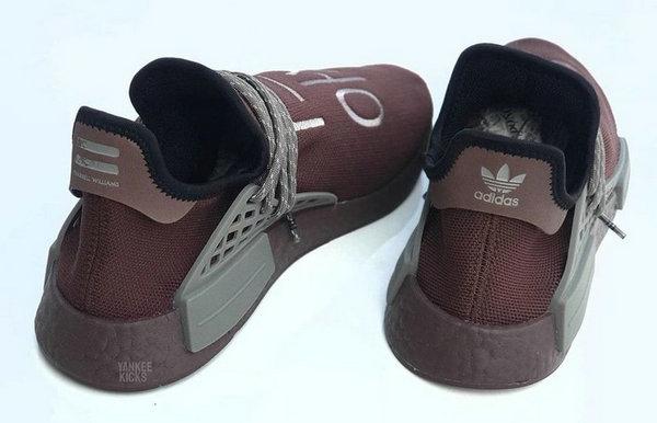 菲董联名 NMD Hu 鞋款全新红棕配色释出,韩国主题?