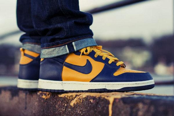 密西根大学 Nike Dunk Hi 鞋款发售信息释出,OG 构色方案