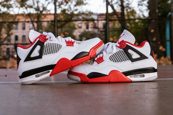 "AJ4 OG""Fire Red""配色复刻鞋款即将登场,白红经典"