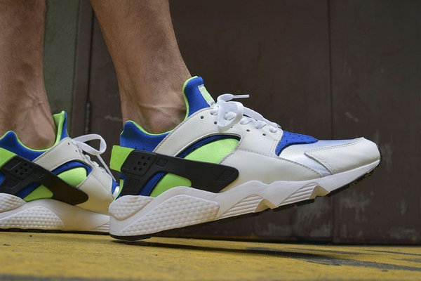 "雪碧 Nike Air Huarache""Scream Green""配色鞋款登陆"