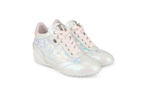 IIJIN 艾今全新休闲鞋系列释出,灵感源自拳击运动