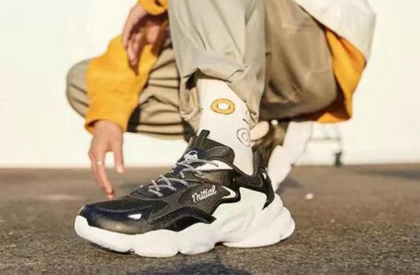 361° 全新远涉老爹鞋系列发售,复古撞色效果
