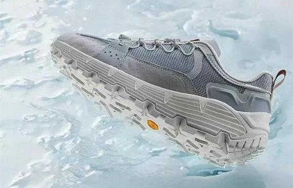 安踏星程 2021 星标系列鞋款公布,都市户外风格