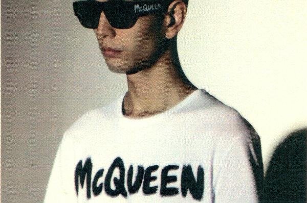 """亚历山大麦昆全新""""McQueenGraffiti""""涂鸦系列上架"""