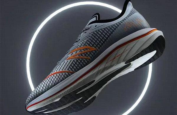 安踏全新 C202 GT 月蚀配色鞋款抢先预览