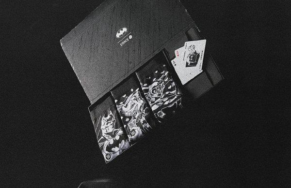 Stance 全新《蝙蝠侠》潮袜礼盒曝光,附赠 Joker 卡牌